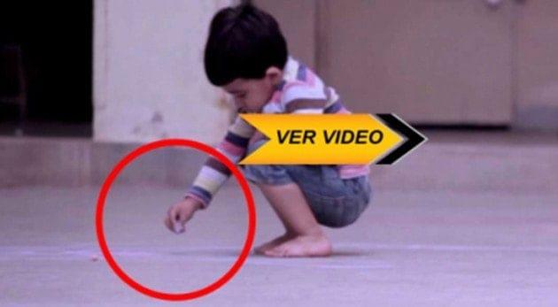 Cuando descubrí Lo que este pequeño dibujó en el piso, me rompió el corazón
