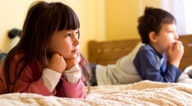 Evita que tus hijos se vuelvan adictos a la televisión