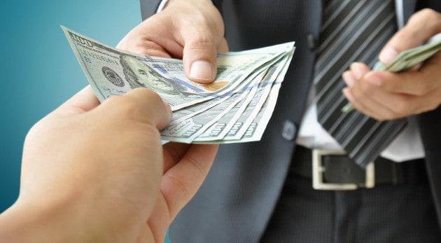 Pregúntale a Andrés- ¿Es necesario tener un notario presente cuando pague mi deuda?