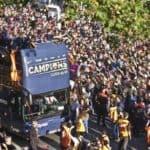 Barcelona rinde culto al campeón de Liga en España