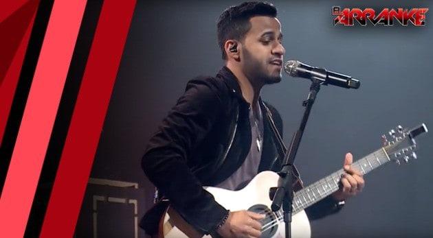 Armando Sánchez canta en vivo